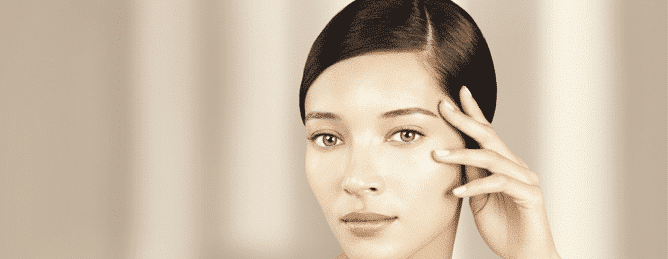 CLARINS forma le proprie beauty consultant tramite il Mobile Learning